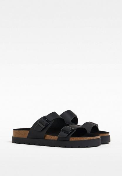 Фото №5 - Самые модные сандалии на лето 2021