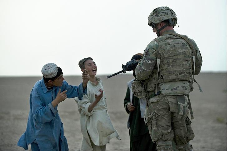 Фото №1 - Как выглядел Афганистан в годы присутствия американских военных (много фото)