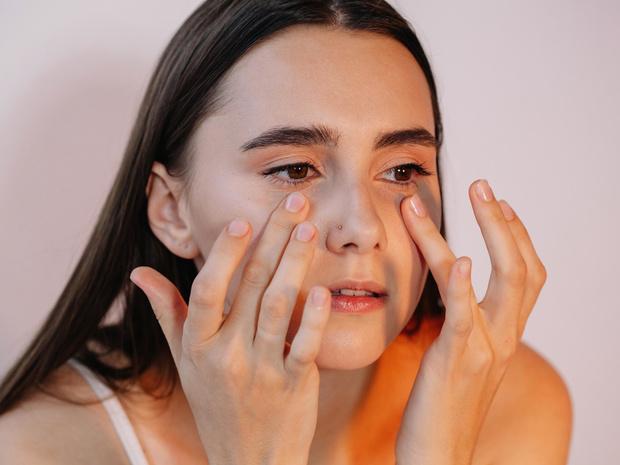 Фото №3 - Враг не спит: что вредит вашей коже во время сна (и как ее защитить)