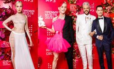 Голая Клава Кока, любвеобильный Филипп Киркоров и розовый Даня Милохин: самые яркие наряды звезд на Премии Муз-ТВ