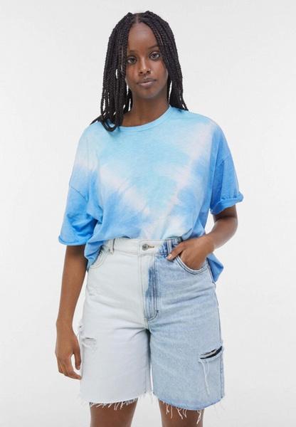 Фото №2 - Джинсовые шорты: самые модные фасоны лета 2021 и с чем их сочетать