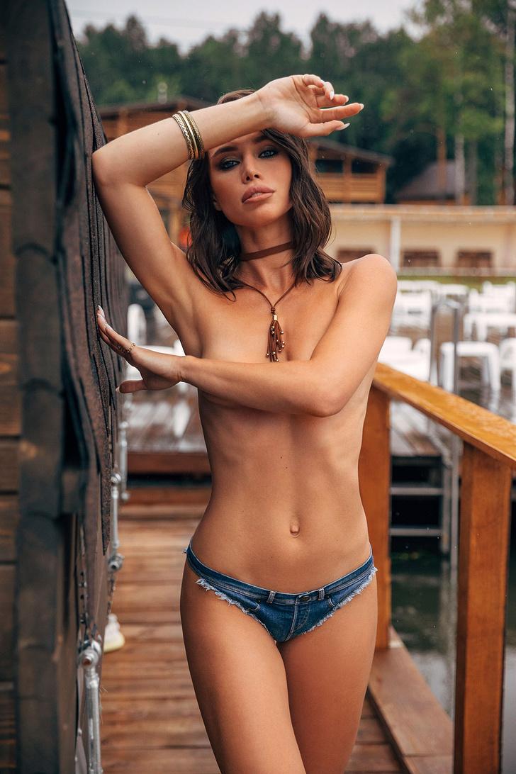 Фото №11 - Горячий эксклюзив! Кадры из фотосессии финалисток MISS MAXIM, не вошедшие в журнал