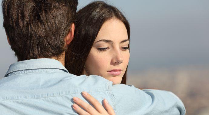 5 признаков, что мужчина незаметно контролирует вас