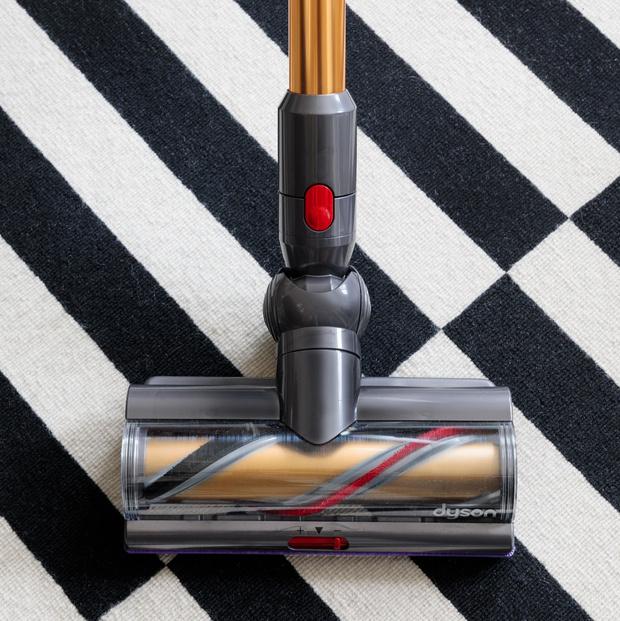 Фото №2 - Подковерные игры: какой уход нужен современному ковру