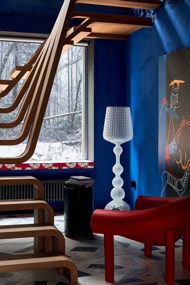 Фото №1 - Электрический ультрамарин: загородный дом для ценителя искусства