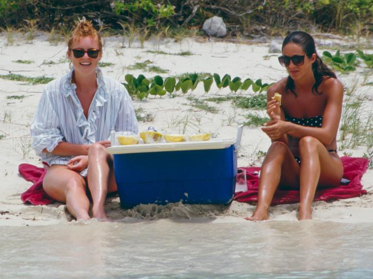 Фото №5 - Как простые люди: самые колоритные фото королевских пикников
