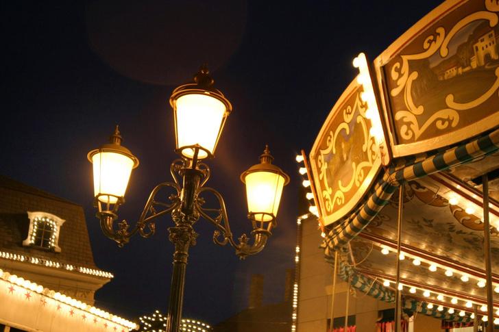 Фото №1 - Когда появились уличные фонари?
