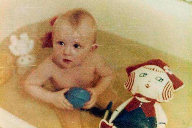 Фото №13 - Материнство по-советски: стирка на доске и деревянные коляски