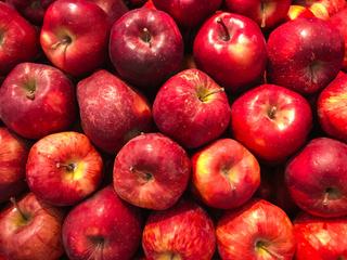 Фото №1 - Что произойдет с организмом, если съедать по яблоку каждый день