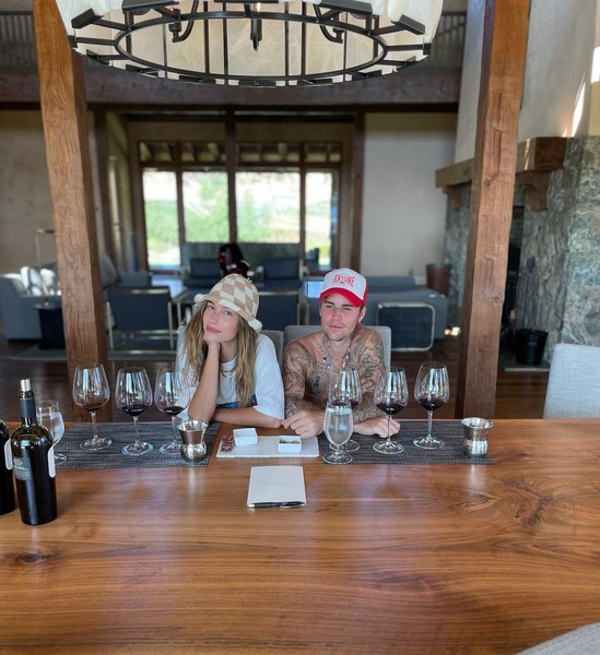 Фото №2 - Джастин и Хейли Бибер отправились в дорожное путешесвие. Смотрим фотки из мини-отпуска пары 😍