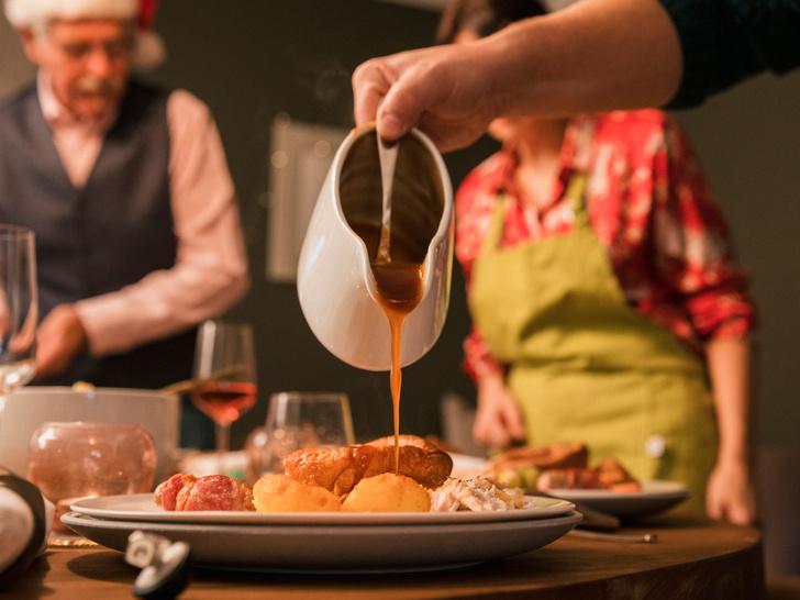 Фото №2 - Идеальная подлива: рецепт Джейми Оливера, который покорит всю вашу семью