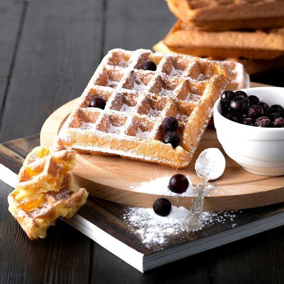 Фото №4 - Сладкий перекус, от которого невозможно отказаться: 7 рецептов вафель на любой вкус
