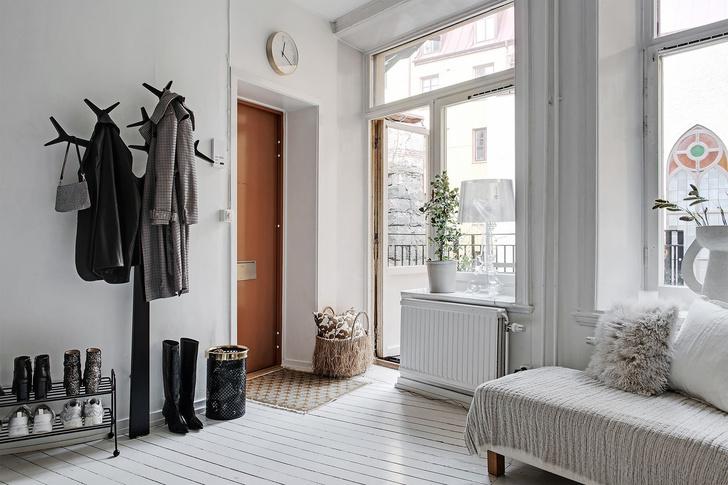 Фото №3 - Маленькая скандинавская квартира со спальней на антресоли