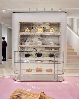 Фото №5 - Первый бутик Off-White в Милане