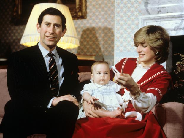 Фото №1 - Кукла вместо ребенка: история самого странного фото с «участием» Уильяма