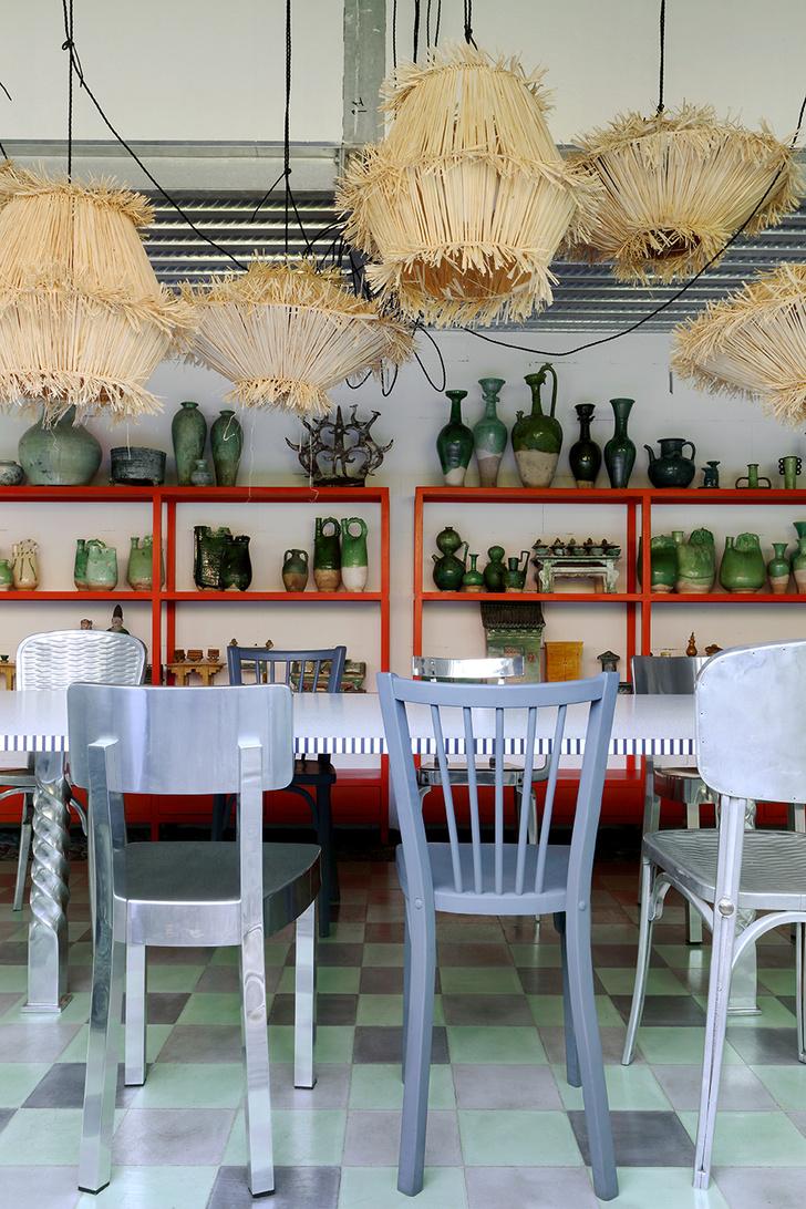 Фото №3 - Вопросы читателей: разномастные стулья в столовой