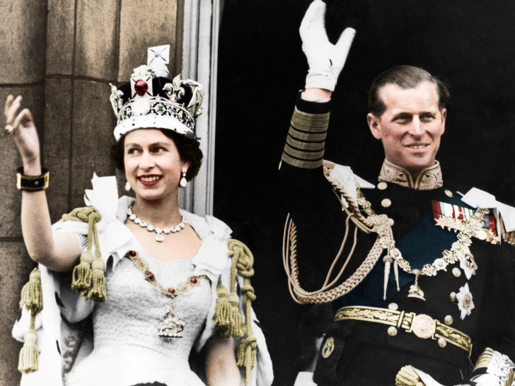 Фото №6 - Не только королева: как менялся титул Елизаветы II на протяжении ее жизни