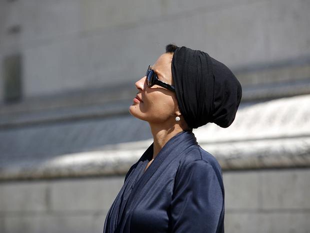 Фото №2 - Великолепная шейха Моза: как дочь мятежника стала «королевой сердец» Востока и иконой стиля