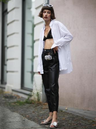 Фото №11 - Самый сексуальный тренд лета: с чем носить бра-топ