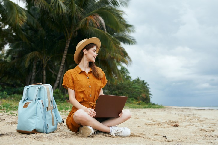 Фото №1 - Захотели, как на Гавайях? Минтруд отказался от идеи ввести 4-дневную рабочую неделю