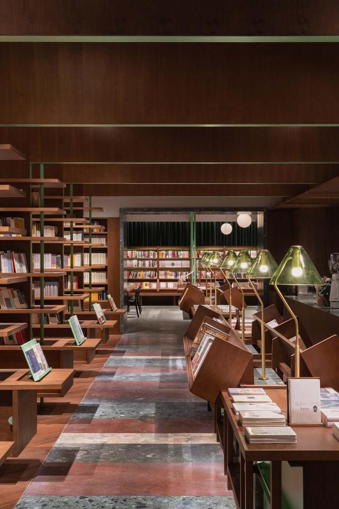 Фото №8 - Книжный магазин Common Reader в Китае