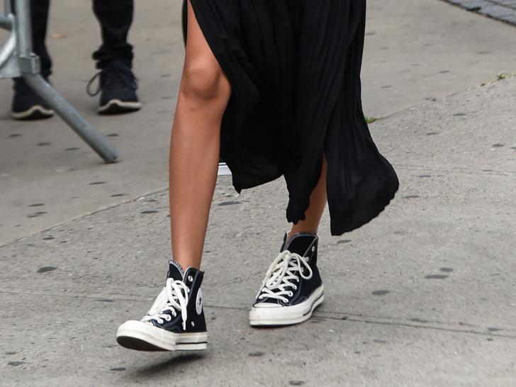 Фото №13 - Идеальный гардероб: 20 вещей, которые никогда не выйдут из моды