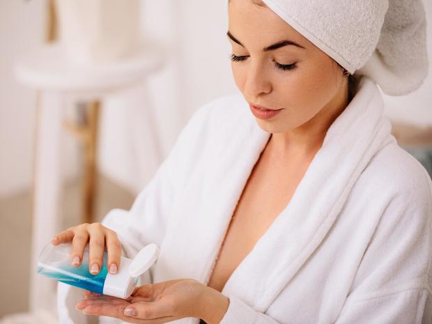Фото №1 - Как правильно выбирать мицеллярную воду: рекомендации по типу кожи