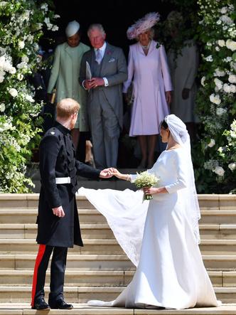 Фото №14 - Брачный конфуз: 7 неприятностей, случившихся на королевских свадьбах
