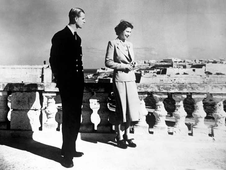 Фото №3 - Странные времена: как прошедший год изменил отношения Королевы и принца Филиппа