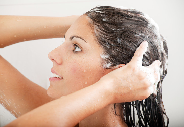 как мыть голову реже