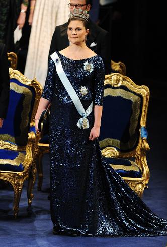 Фото №52 - Стильное положение: как одеваются беременные королевы, принцессы и герцогини