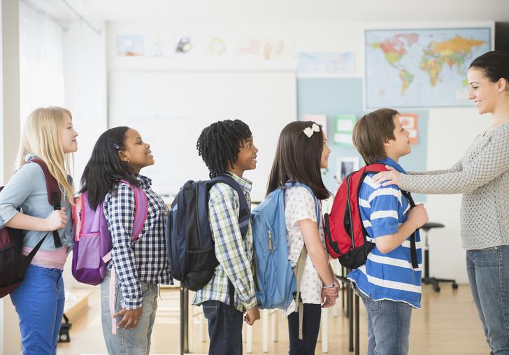 Фото №2 - 8 правил приличия, которым вы забываете научить ребенка