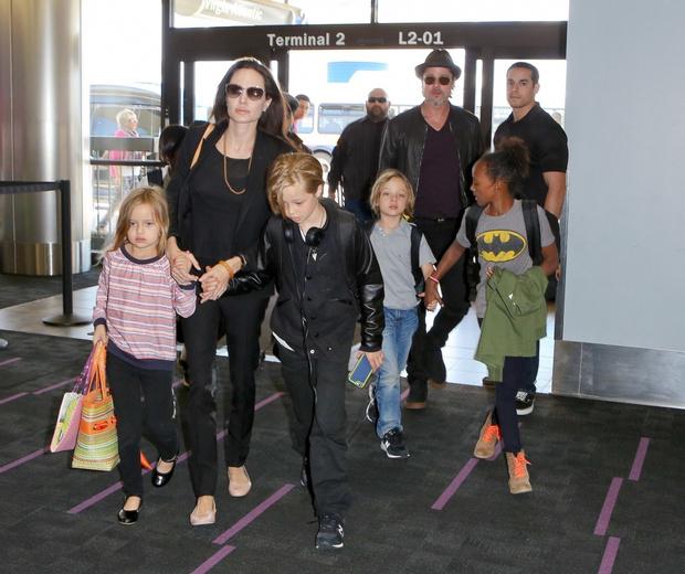 Джоли, Питт и их дети