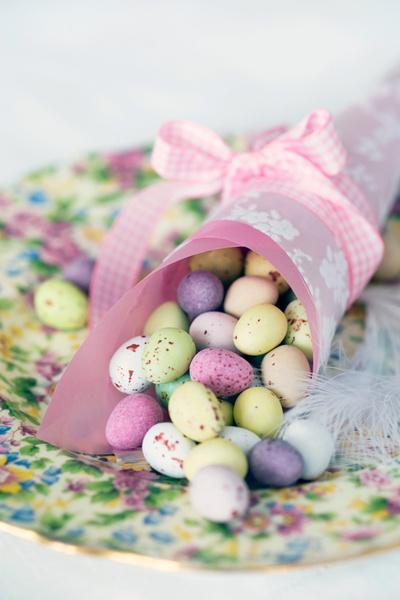 Фото №1 - Пасхальные яйца: восемь вариантов украшений