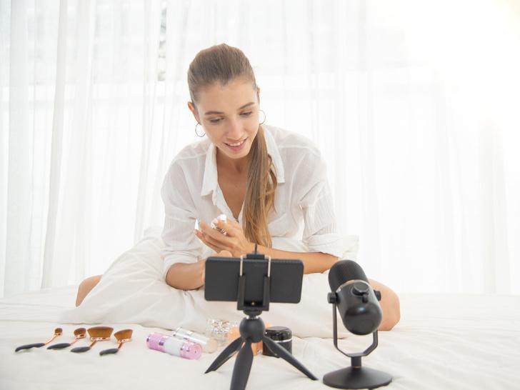 Фото №2 - Правила популярности: как стать блогером-миллионником в Instagram и TikTok