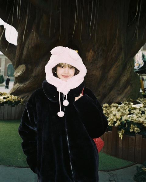 Фото №2 - Как одеваться, чтобы не мерзнуть: тренды зимнего стиля корейских айдолов