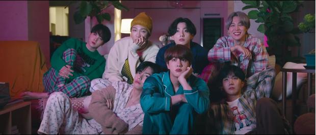 Фото №1 - Скорее смотри! BTS выпустили новый клип и альбом