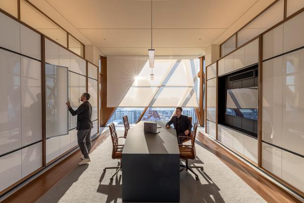 Фото №6 - Офисное здание по проекту Foster+Partners в Екатеринбурге