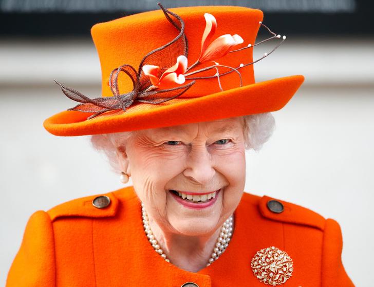 Фото №1 - Самые роскошные дома, которые Королева дарила Виндзорам