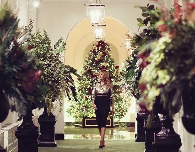 Фото №4 - Невероятно ослепительна: последнее Рождество Мелании Трамп