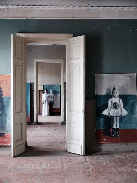 Фото №4 - «Белая школа»: выставка Екатерины Рожковой в усадьбе в Калужской области