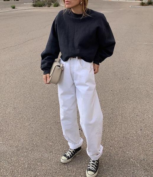 Фото №2 - Разбавляем гардероб: с чем носить белые джинсы этой весной
