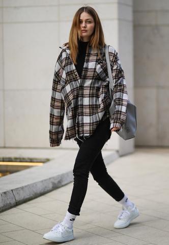 Фото №6 - Анти-оверсайз: как носить облегающие вещи и выглядеть стильно