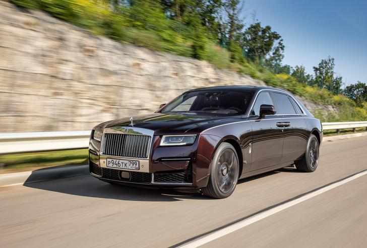Фото №7 - Ти-ши-на! 10 важных фактов о новом Rolls-Royce Ghost