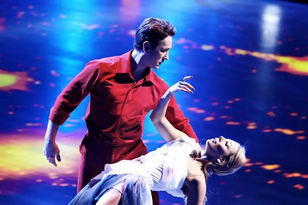 Фото №8 - Лазарев заплакал, Дава поведал о предательстве: в полуфинале шоу «Танцы со звездами» участники рассказали свои истории любви