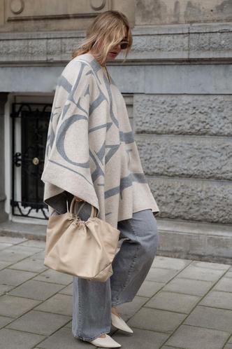 Фото №6 - Осенний гардероб для девушек plus size: 8 вещей на любой случай