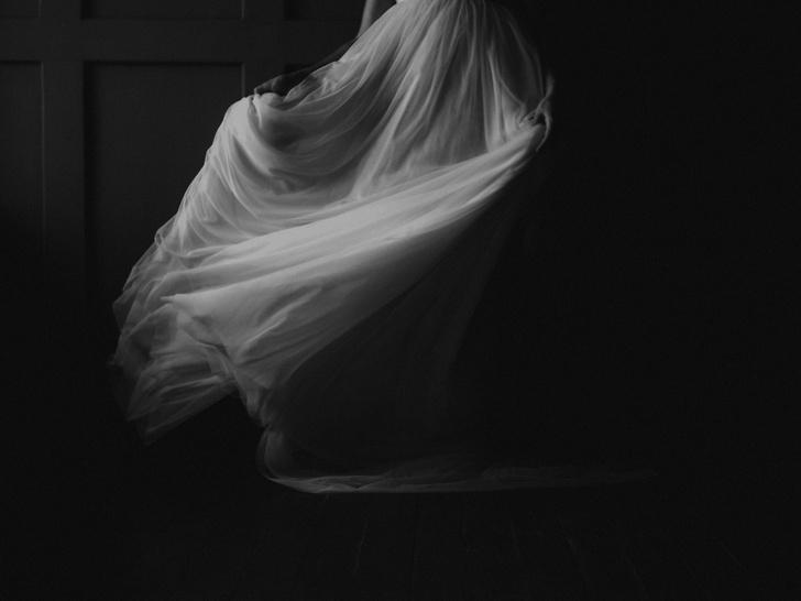 Фото №4 - Кукла-убийца и зеркало страха: 7 жутких историй проклятых вещей