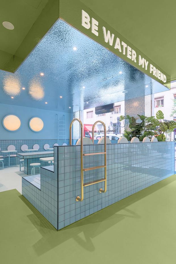 Фото №12 - Яркая бургерная в Турине по проекту Masquespacio
