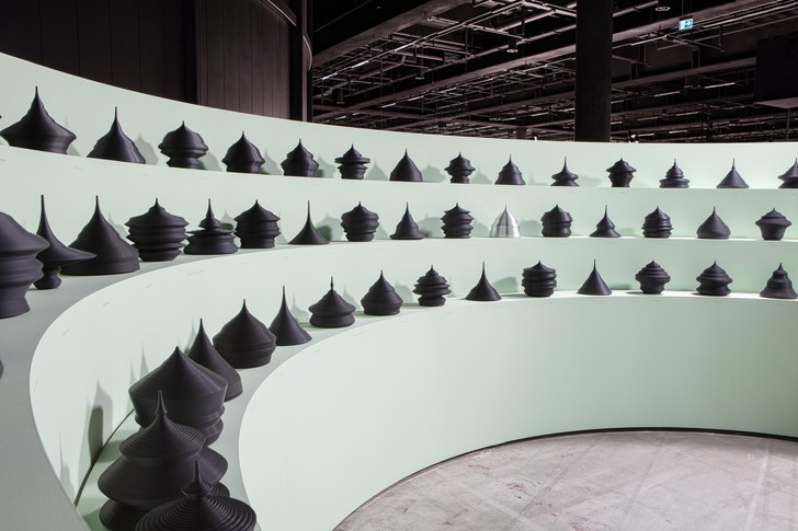 Фото №6 - Популяционные пирамиды Матье Леаннера на Art Basel