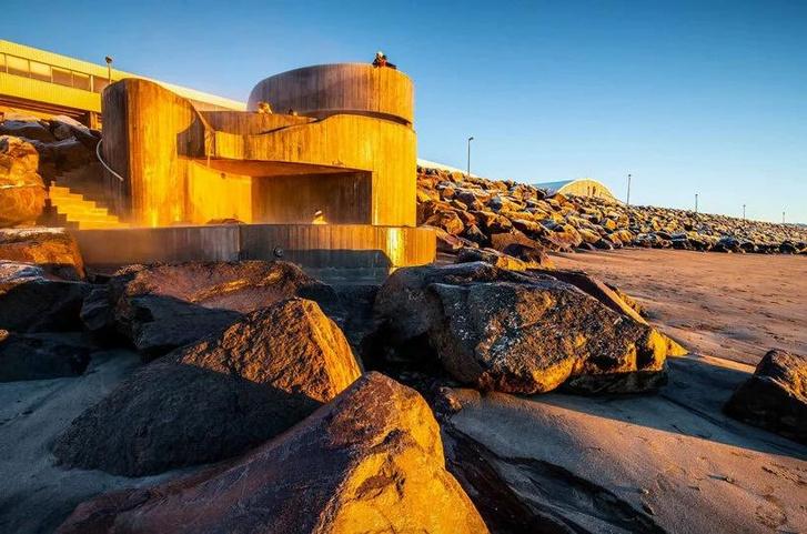 Фото №10 - Купальня Guðlaug baths в Исландии